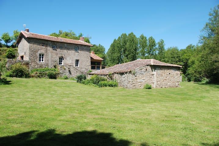 Beau gîte à 25 kms du Puy de Fou - Saint-Pierre-des-Échaubrognes