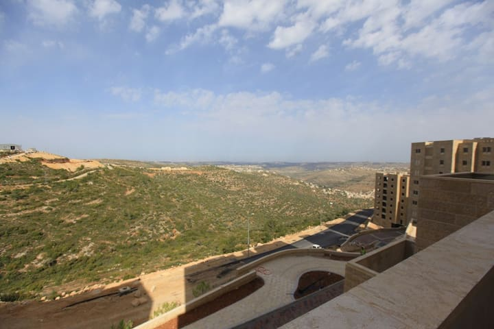 A FRESH HUGE APT WITH A VIEW IN RAWABI, PALESTINE - Jerusalem - Apartment