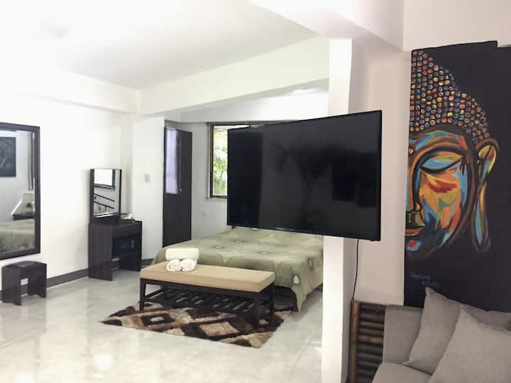 Boracay White Beach Apartment  MR. AYNAKO B29