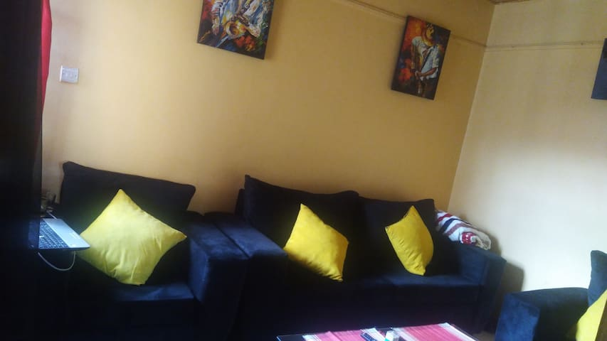 The sitting area, well blended colours with a taste of art, absolutely colorful.