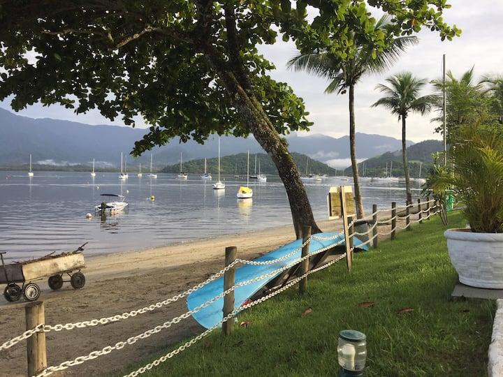Casa 2Qtos Angra Condomínio Fechado a Beira Mar