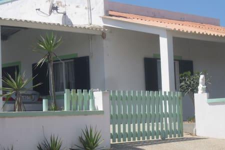 Espaciosa casa cerca de la playa