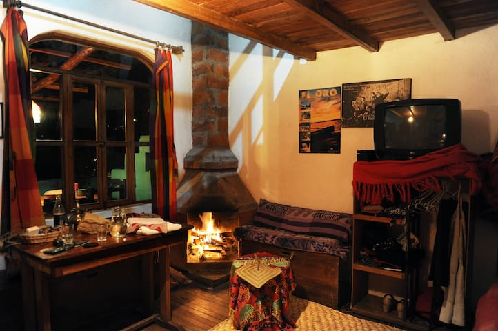 Beautiful rustic mini-depar in Baños!