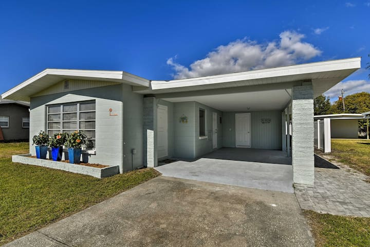 NEW! Lovely 2BR Venice Home w/ Fire Pit & Grill!