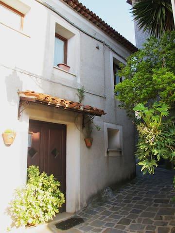 graziosa casa indipendente - Tortorella - Casa