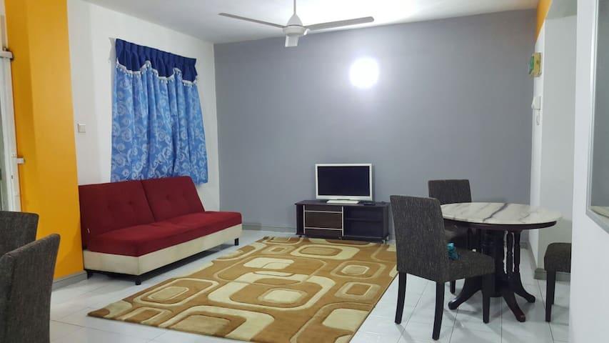 Anjung KLIA Apartment & Breakfast No 5 - Banting