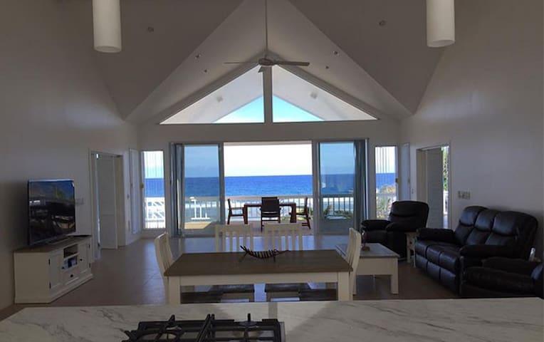3 Bedroom Beachfront House