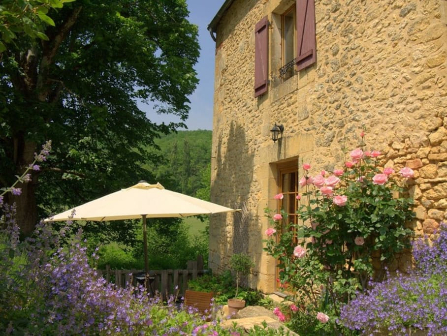 La Forge at Le Banquet (sleeps 5) lovely stone cottage