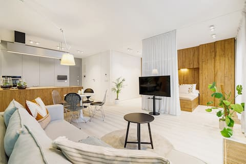 Lubicz Street/ Terrace Apartment / Main Station