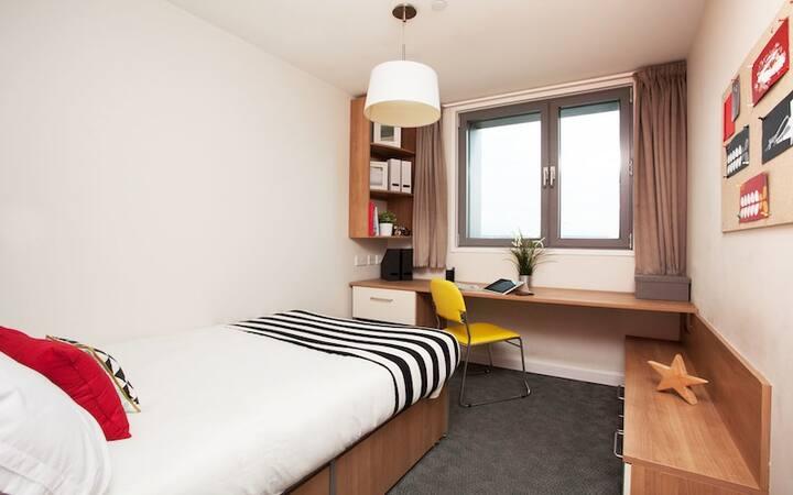 Modern Ensuite Rooms in Tottenham Hale