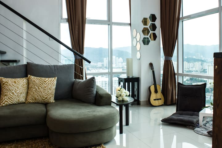 Top Floor Penang Seafront Condo - George Town - Appartement en résidence