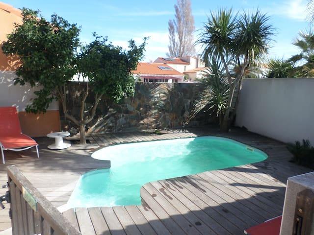 Charmante villa avec piscine entre mer et montagne - Théza