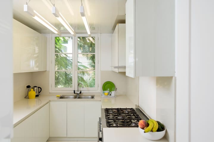 The kitchen is fully equipped for all your cooking needs while on holiday!