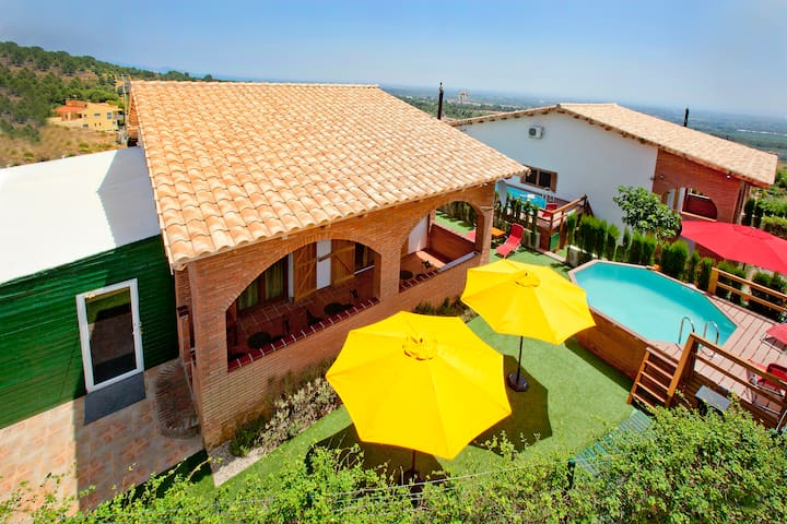 CAN PRATS, 4 Casas - 10, 15, 22 y 26 Piscina y BBQ