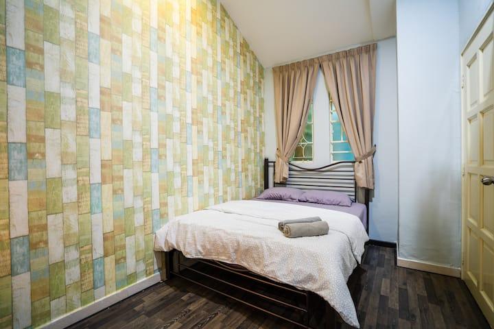 MY'Casa |Room 5| @ Georgetown |Gurney| City Center
