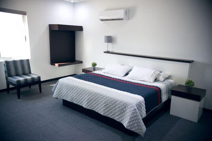 Loma Bonita Suite. COMODA Y NUEVA
