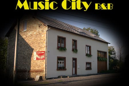 Music City bed and breakfast - Houffalize