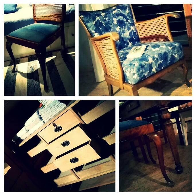Schöne alte Möbel mit Geschichte, neu bezogen mit Wilsseide und Jeans, 70 Jahre alter Schrank mit ganz vielen Fächern.