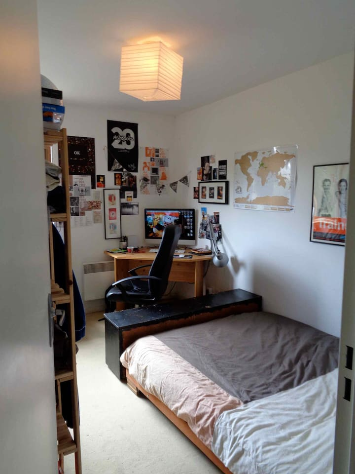 My room. I'll let the furnitures but take all my stuff of course.