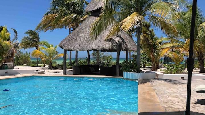 UAYANA Luxury Beach front house in Uaymitun