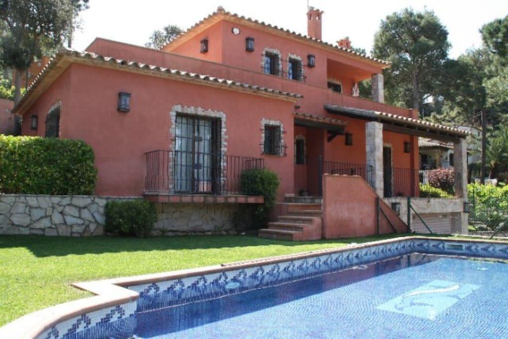 Sc190 casa con piscina privada en begur casas en for Alquiler de casas con piscina privada