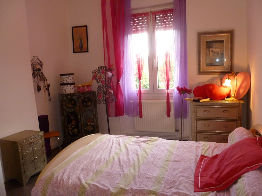 chambre louer st etienne quarti bed breakfasts for rent in saint tienne rh ne alpes. Black Bedroom Furniture Sets. Home Design Ideas