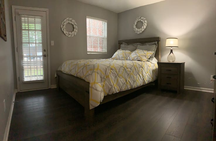 Quaint Condo - a home away from home/Hwy 280