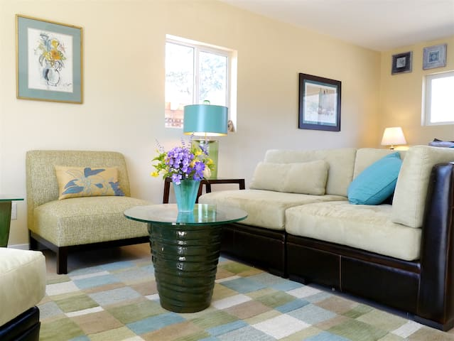 Happy Hound Vineyard Cottage, romantic & peaceful! - Kenwood - House