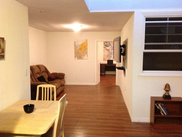 Amazing and Spacious 2 bedroom Loft in Hollywood