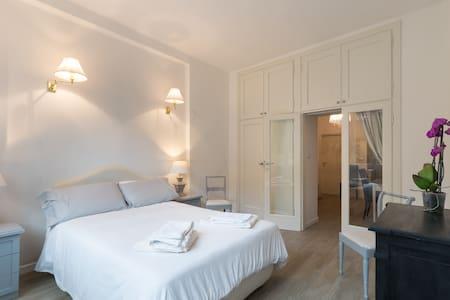 Ponte vecchio flat - Florence - Apartment