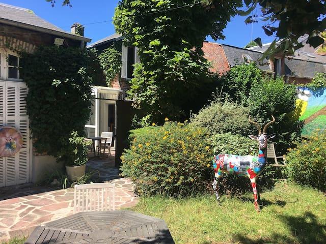 La Bohême, Maison d'artiste 2/3 pers. avec jardin
