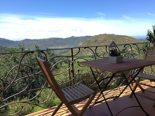un petit déjeuner en amoureux avec vue panoramique