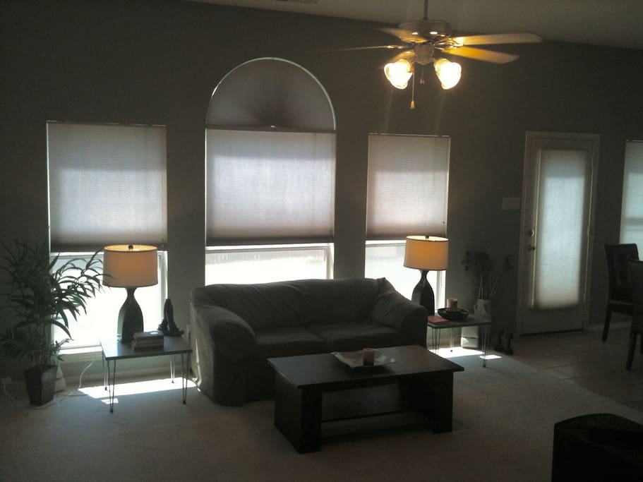 Living R and R room with stereo