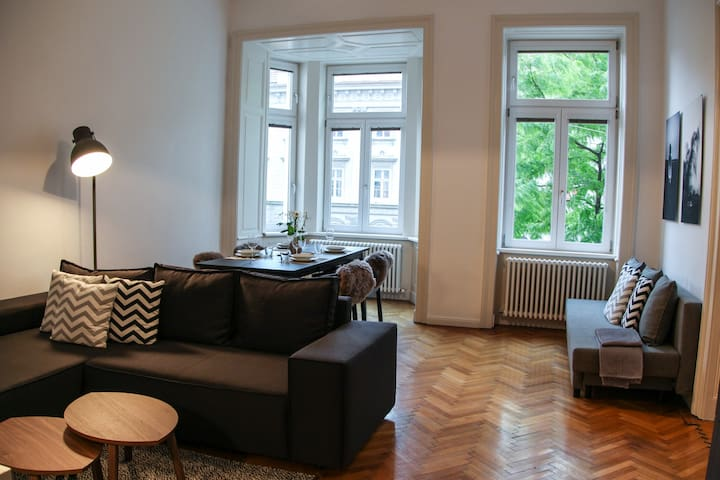 LARGE, STYLISH APARTMENT IN PERFECT LOCATION - Wien - Apartment
