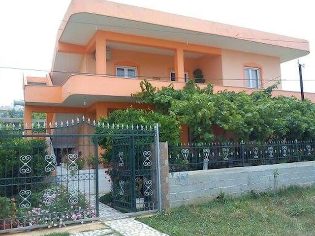 Apartment with 3 bedroom in Ksamil
