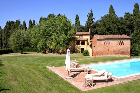 Historic Tuscan style farmhouse with pool - Ponsacco - Maison