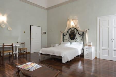 Tornaquinci Apt. 5 - Apartemen
