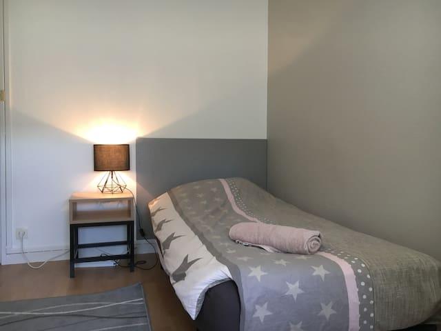 P2 Belle chambre dans appartement rénové