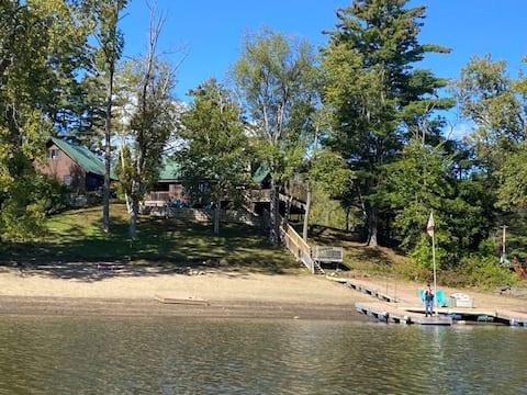 The Sacandaga Lakeside Escape