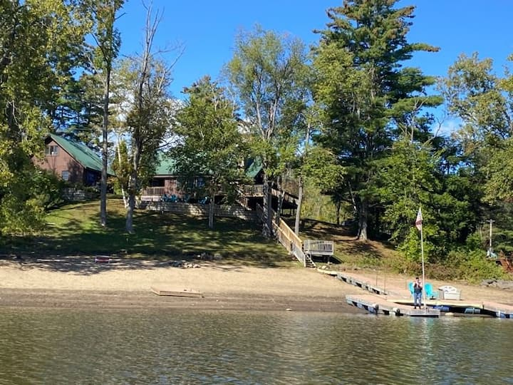 The Sacandaga Lakeside Escape