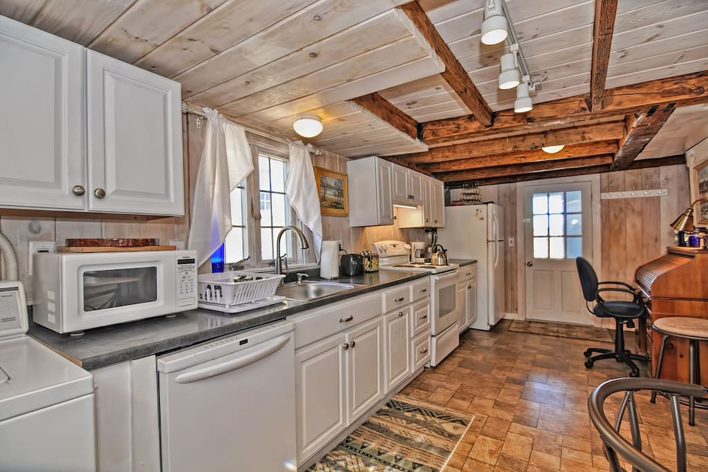 Indigo Blue House-The galley kitchen is fully equipped with appliances.