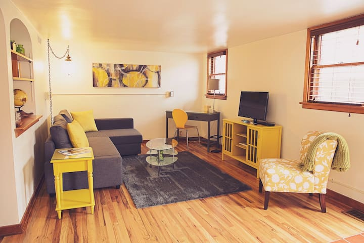 The Fort Apartment:The 5 Star Afforable Experience - Fort Collins - Apartemen
