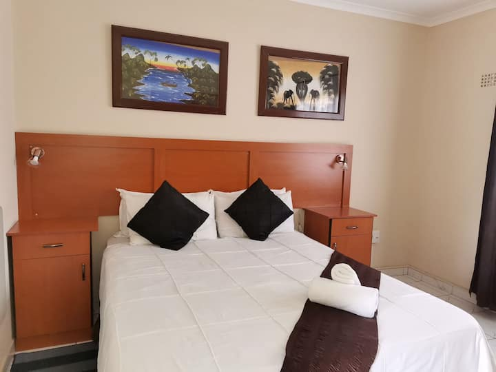 Suitable accommodation for travellers - (Room 7)