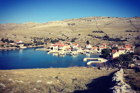 Robinson fisherman's house - Kornati