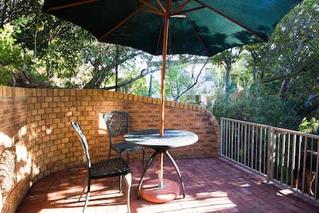 Holiday Accommodation in Camps Bay