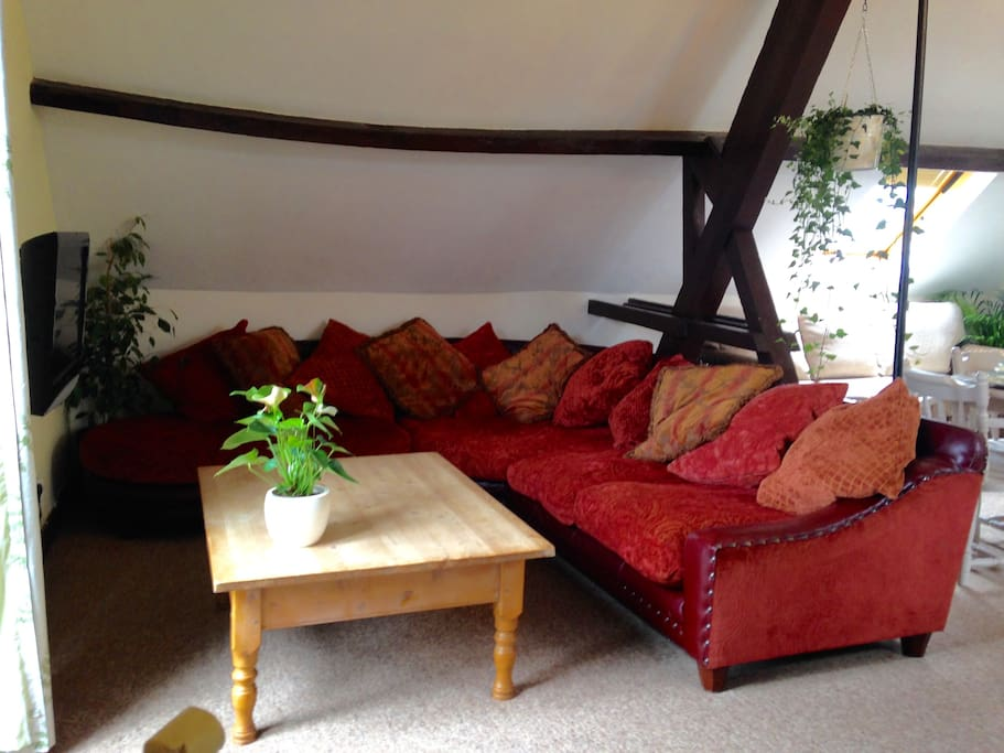 Our luxurious corner settee