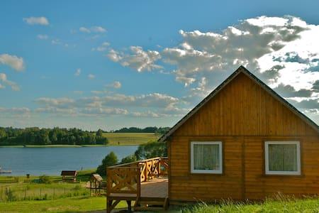 Domek drewniany nad jeziorem - Stare Jabłonki - Barraca