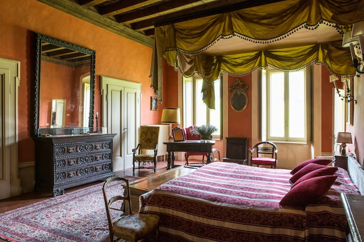 Palazzo Torri West Wing Apt (large) - Corte Franca - Apartment