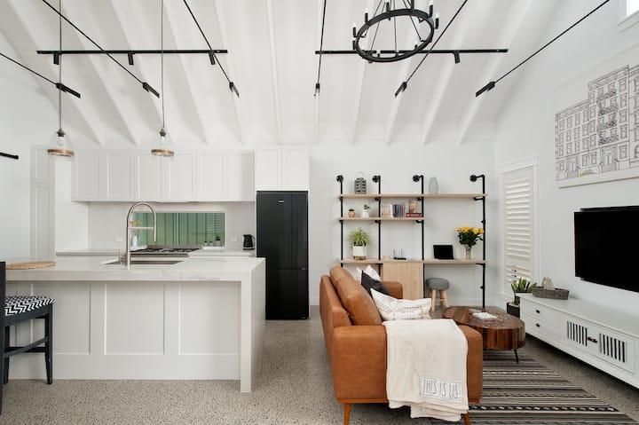 This is Us-Luxury Guest House Salamander Getaway