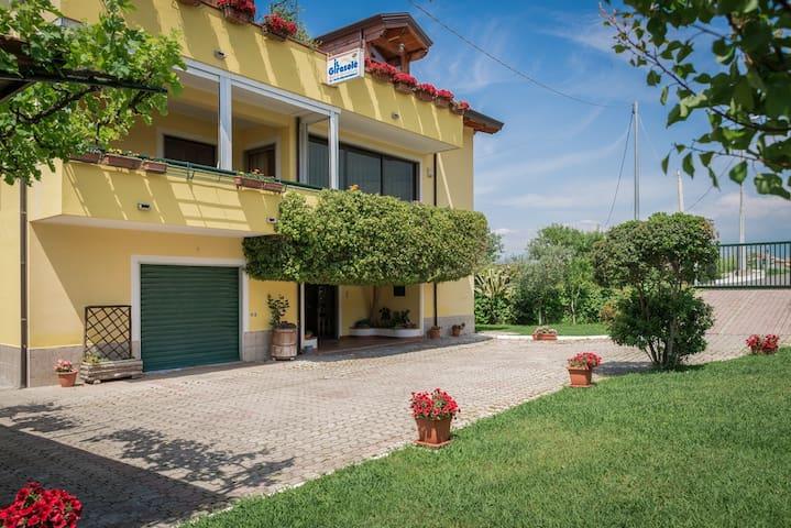 CASA VACANZE IN VILLA IL GIRASOLE - Agropoli - Lägenhet